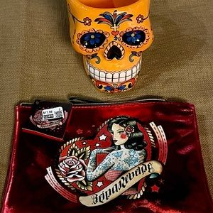 Red Shiny Carry Bag & Sugar Skull Mug